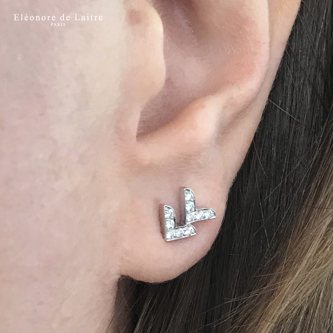 Collection Couture - puce d'oreille Dentelle VV - diamants, or gris.
